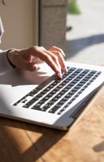 איך לכתוב ספר: טיפים לכתיבת הרומן הראשון שלך